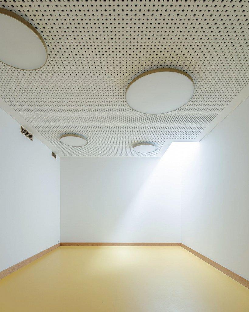 1406-Gruppenraum-mit-Naturlicht.jpg